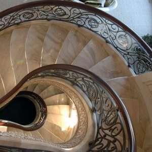 Fehér márvány lépcsők White SpiderMárvány